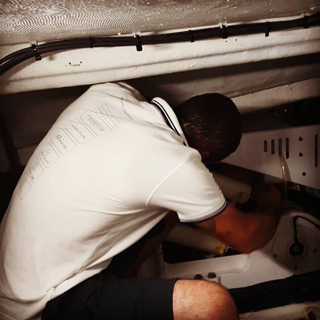 Pin di Cmm Yacht Service su Worldwide service