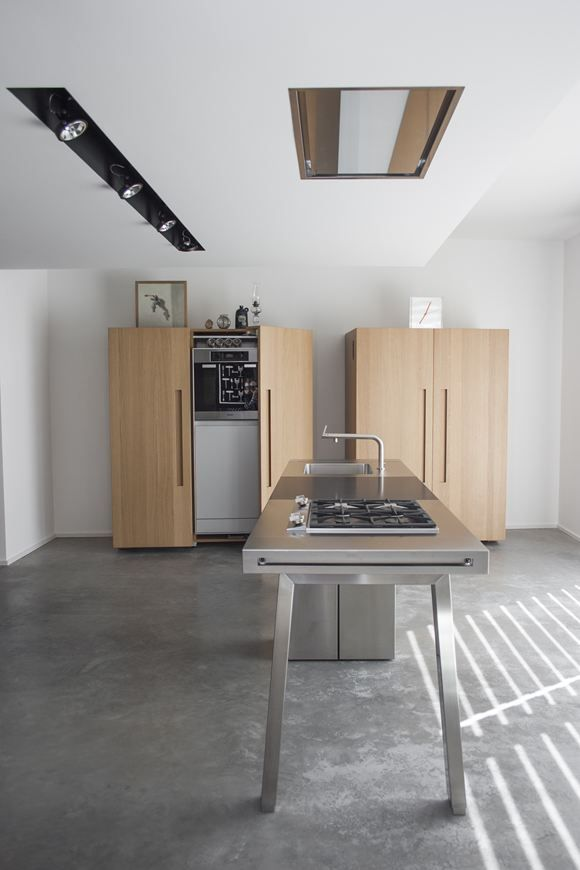 bulthaup kitchen-good example of spacing for multi-sided cooktop and ...
