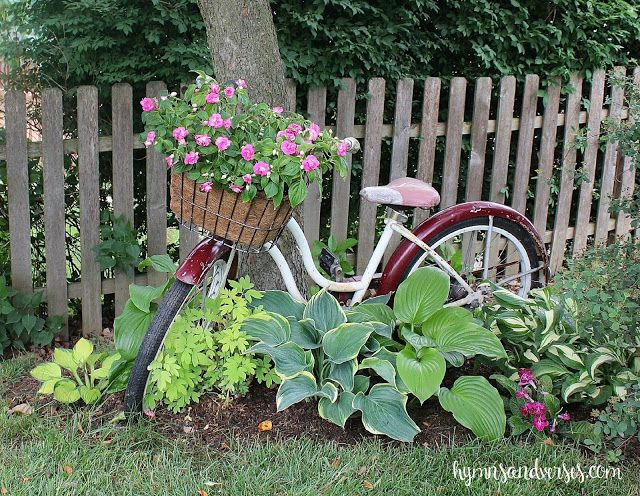 Charming Home Tour ~ Hymns and Verses Bicicleta, Jardín y Jardines