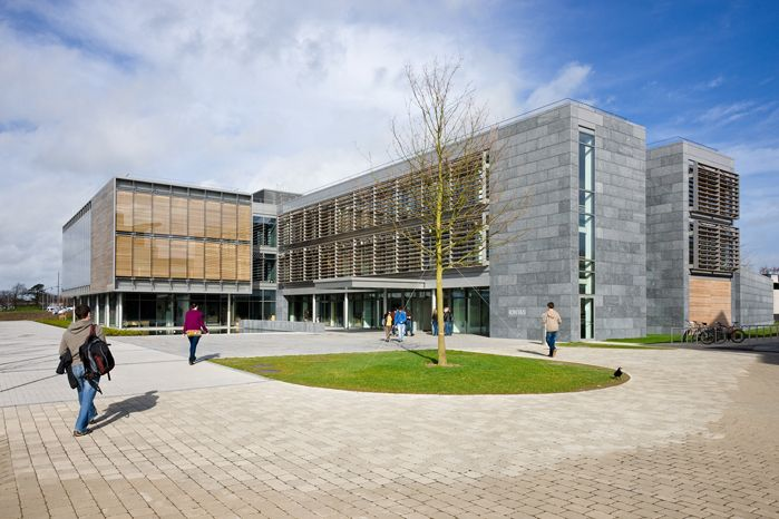 The Iontas, meaning 'wonder', is a €15 million state-of-the-art building, accommodating 200 academic staff and researchers, including three of the University's world renowned research institutes NCG, NIRSA and An Foras Feasa, the School of English, Media & Theatre Studies and provides teaching space for over 350 students.