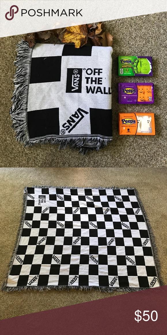354326b487 VANS Checkered throw blanket Camping