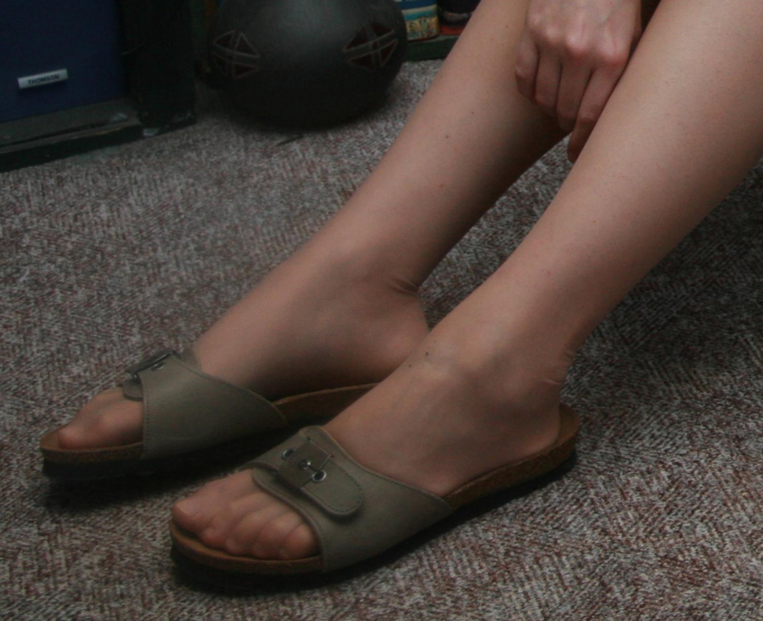 Pin von jan devries auf kleppers   Latschen, Sandalen und