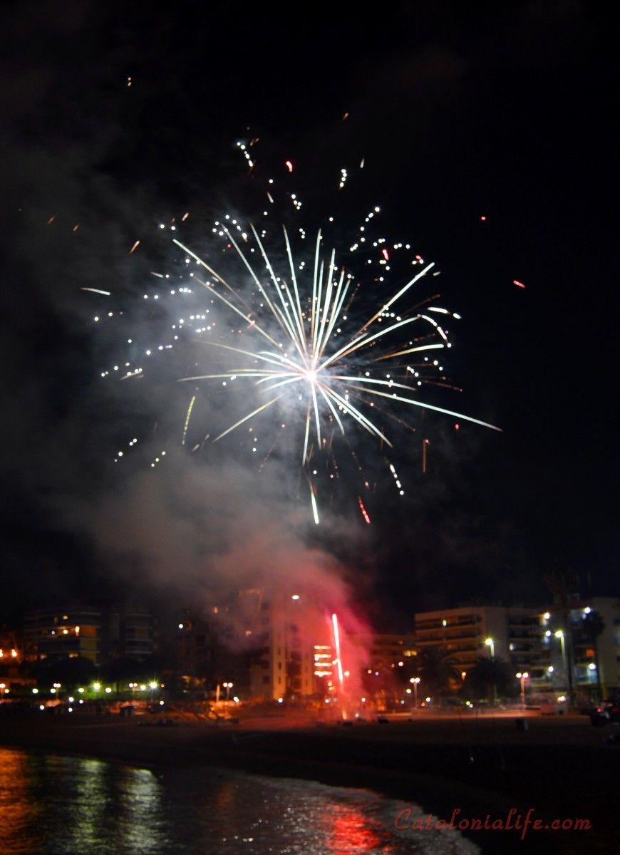 Focs Artificials 2015 Lloret De Mar Platja De Fenals Pirotecnia Europia S L Grounds Fair Grounds Travel
