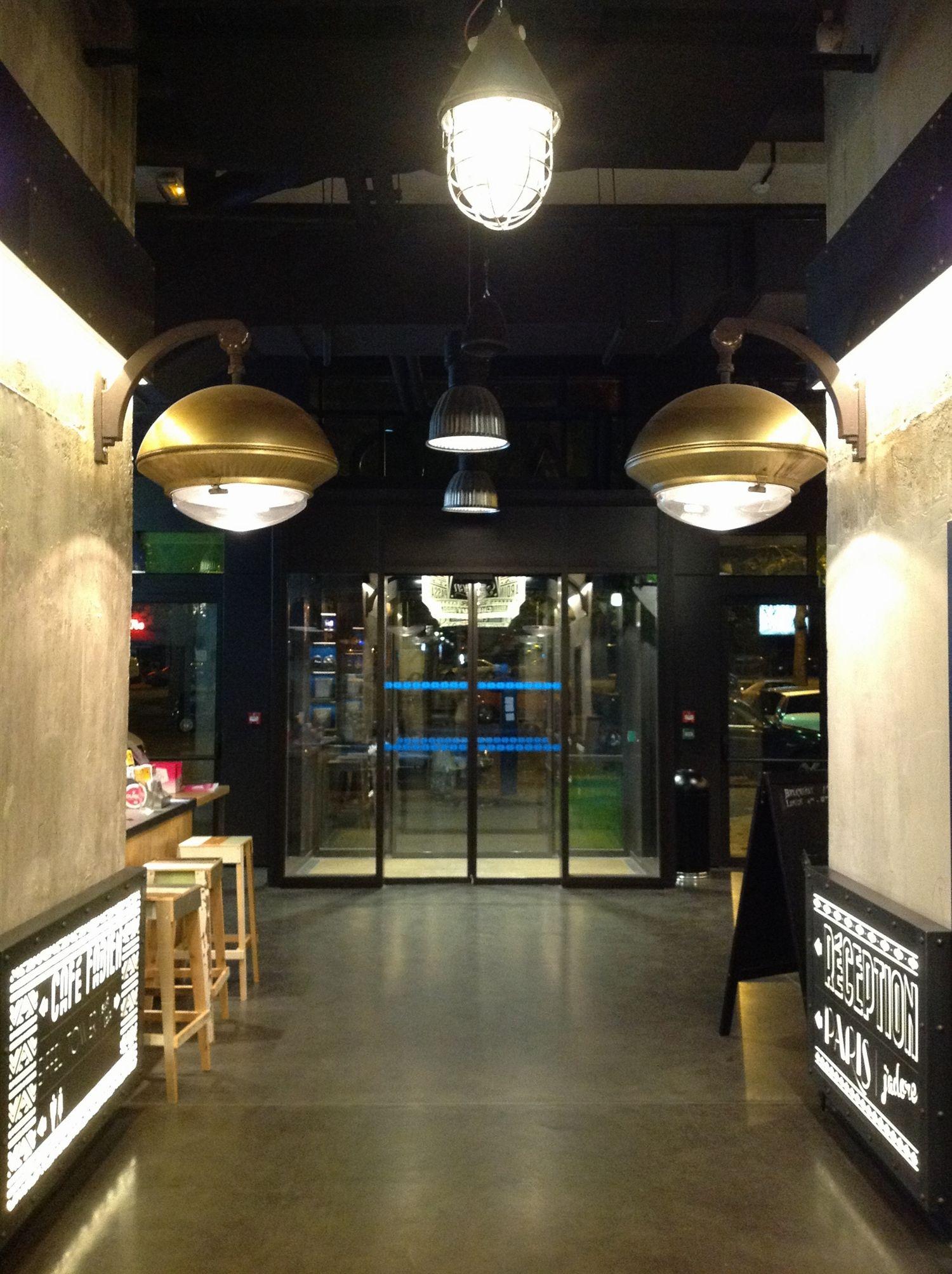 4 generator-hostel-paris-five-stars-interior-design-home-decorating ...