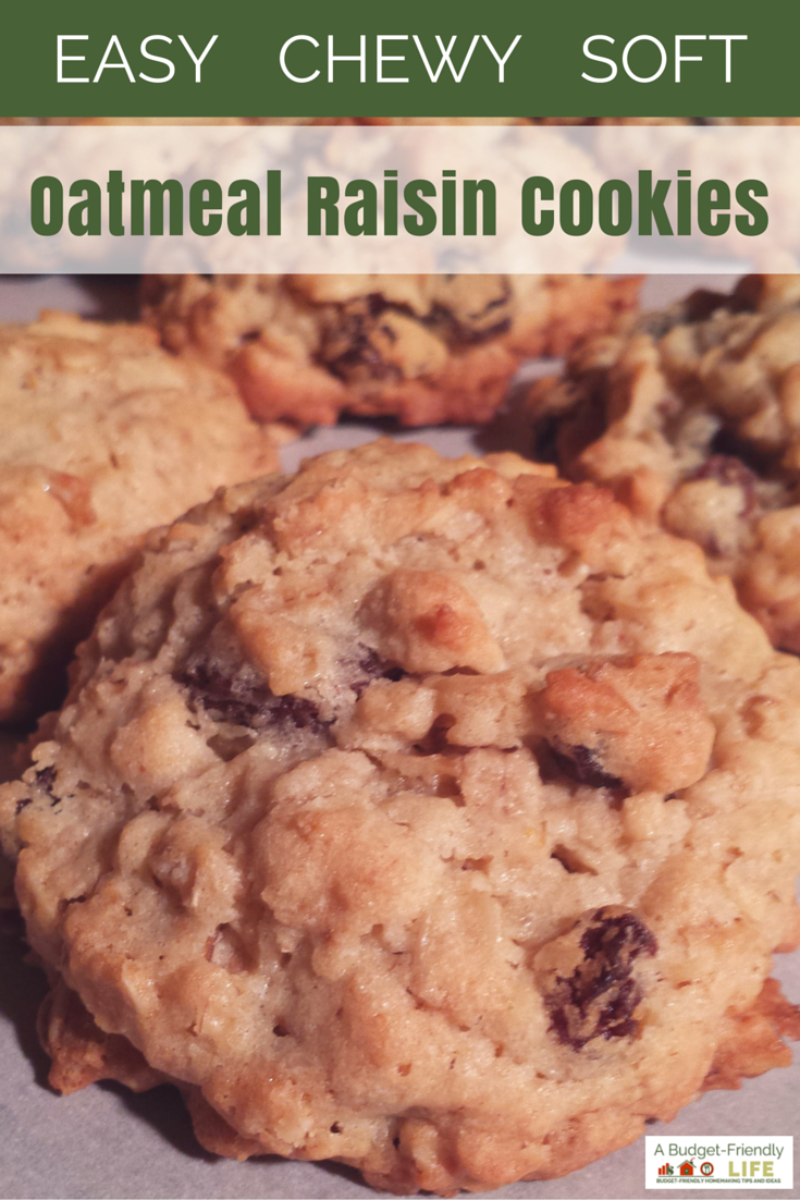 Easy Chewy Soft Oatmeal Raisin Cookies - These cookies are irresistible! Full of flavor! Easy oatmeal raisin cookies try them today.