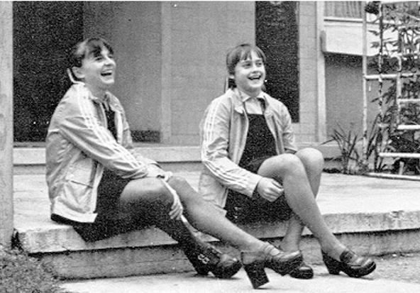 Teodora Ungureanu and Nadia Comaneci   Cool Gymnastics
