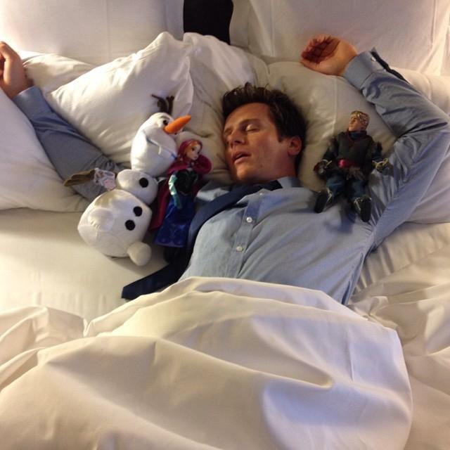 Jonathan Groff (Kristoff's voice) with his Frozen toys #Disney #Frozen #cute