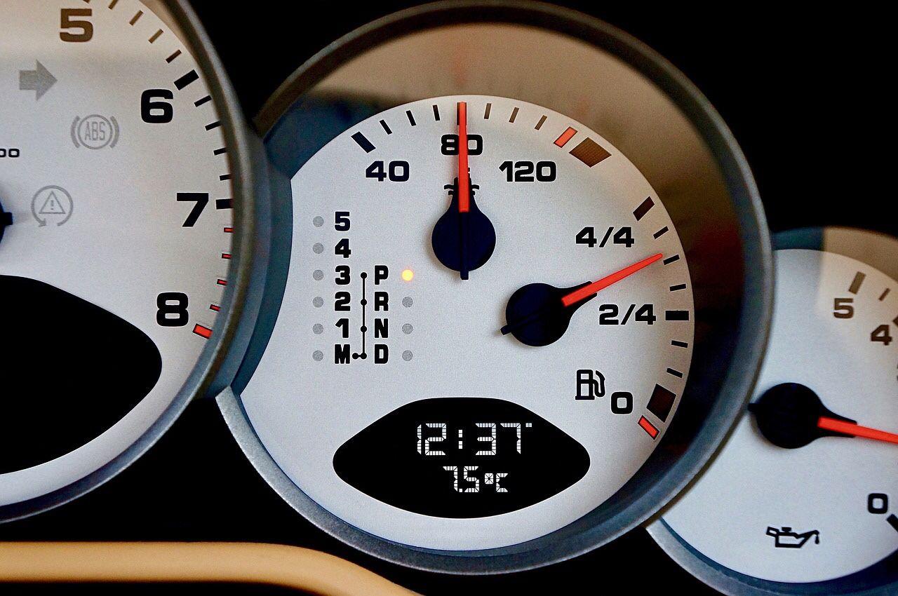 أهم 10 أسباب لارتفاع حرارة السيارة ر قي Vehicles Motor Vehicle Gauge