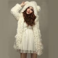Resultado de imagen para chompas de lana con capucha de moda