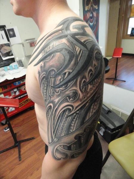 Half Sleeve Tribal Biomechanical Tattoos Design Http Tattooswall Com Half Sleeve Tribal Biomechanical Tattoos Design Htm Tatoeage Ideeen Tatoeages Tatoeage