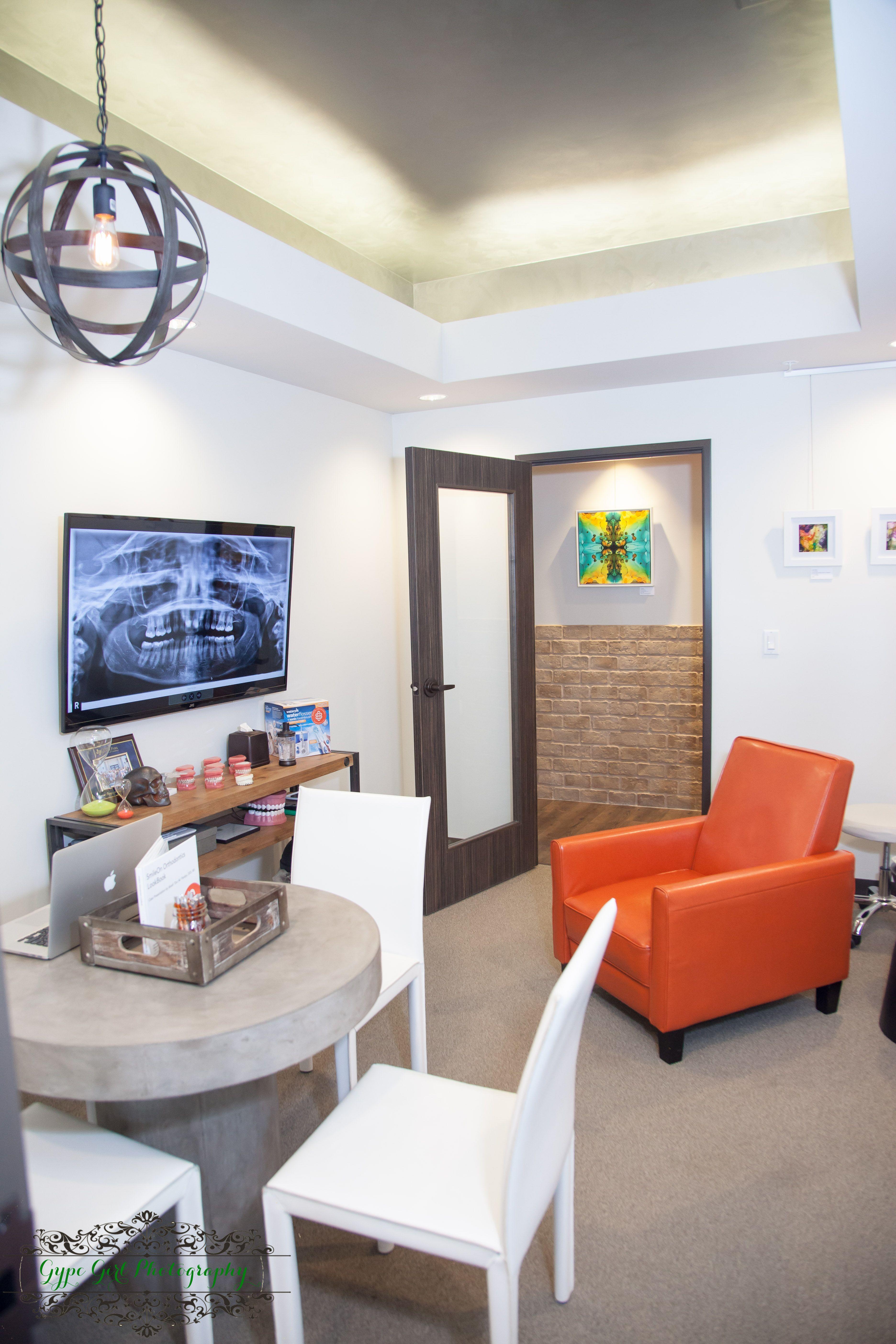 Industrial Modern Dental Consult Room Doctor Office Design Dental Office Design Dental Office