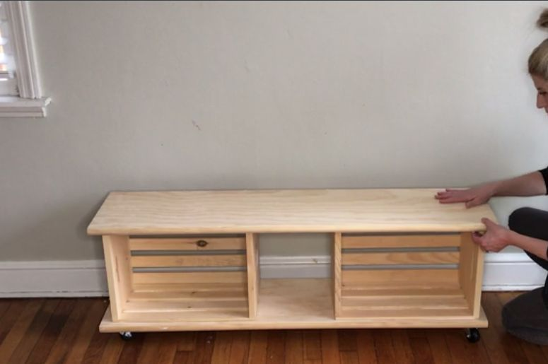Easy Crate Diy Bench On Wheels Home Decorations In 2019