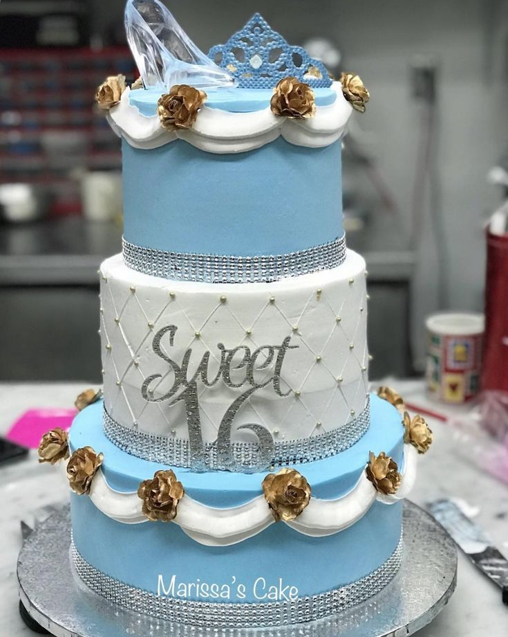 Fit for a princess! Cinderella themed Sweet 16 cake   #cake #partydesserts #sweetsixteen #sweet16partyideas  #partyideas #sweet16themes #partythemes #fairytale #sweet16cakes