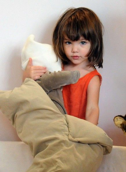 Little SURI Learns From Her Mom KATIE HOLMES How To Dress
