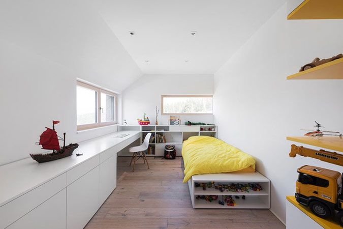 Moderne kinderkamer met bureau op maat interieur pinterest