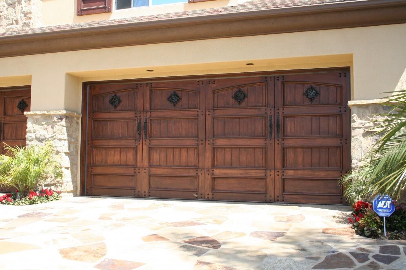 Garage Door Repair Service Garage Door Replacement In Ca Garage Doors Garage Door Replacement Garage Door Styles