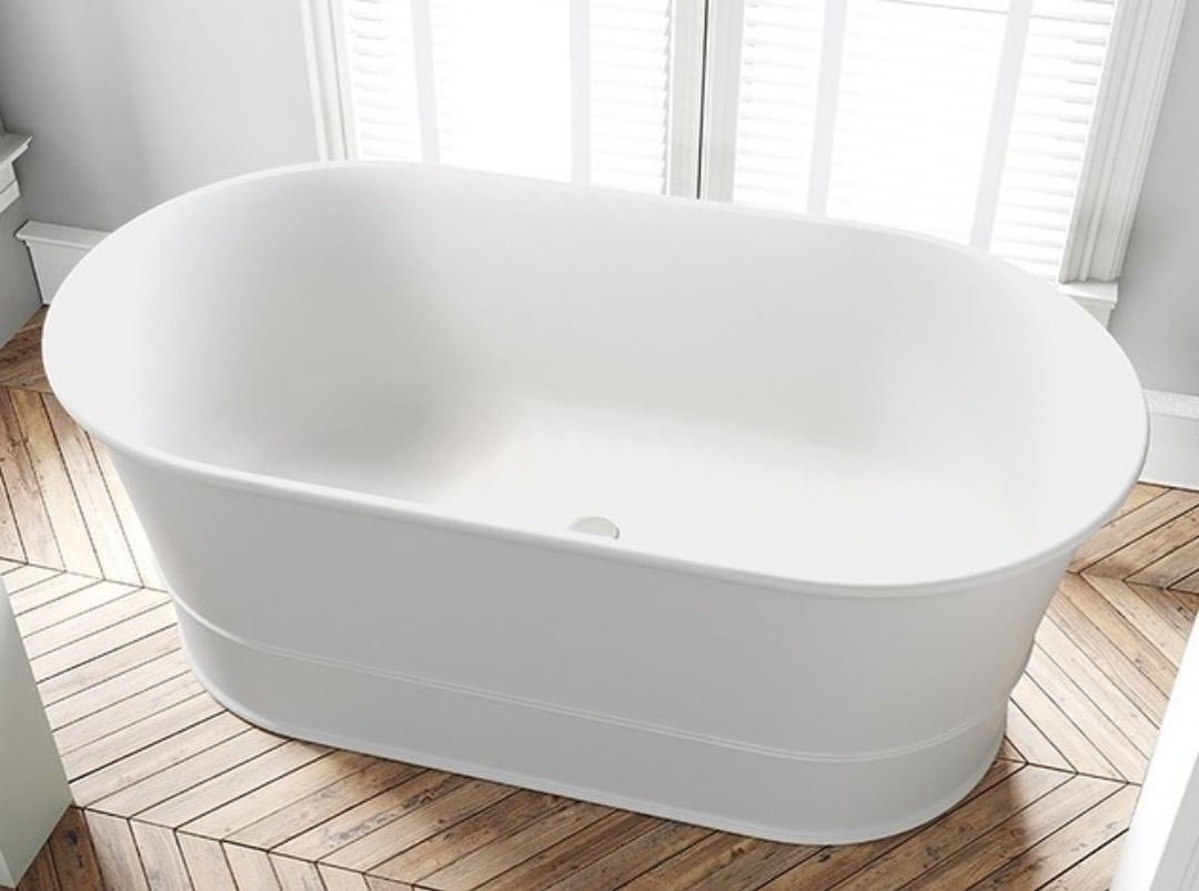 Simplybathrooms Auf Instagram Die Atemberaubende Julia Badewanne Von Dadoquartz Ist Die Ideale Kompakte Badewanne Fur Ihr In 2020 Classic Bathroom Bathtub Bathroom