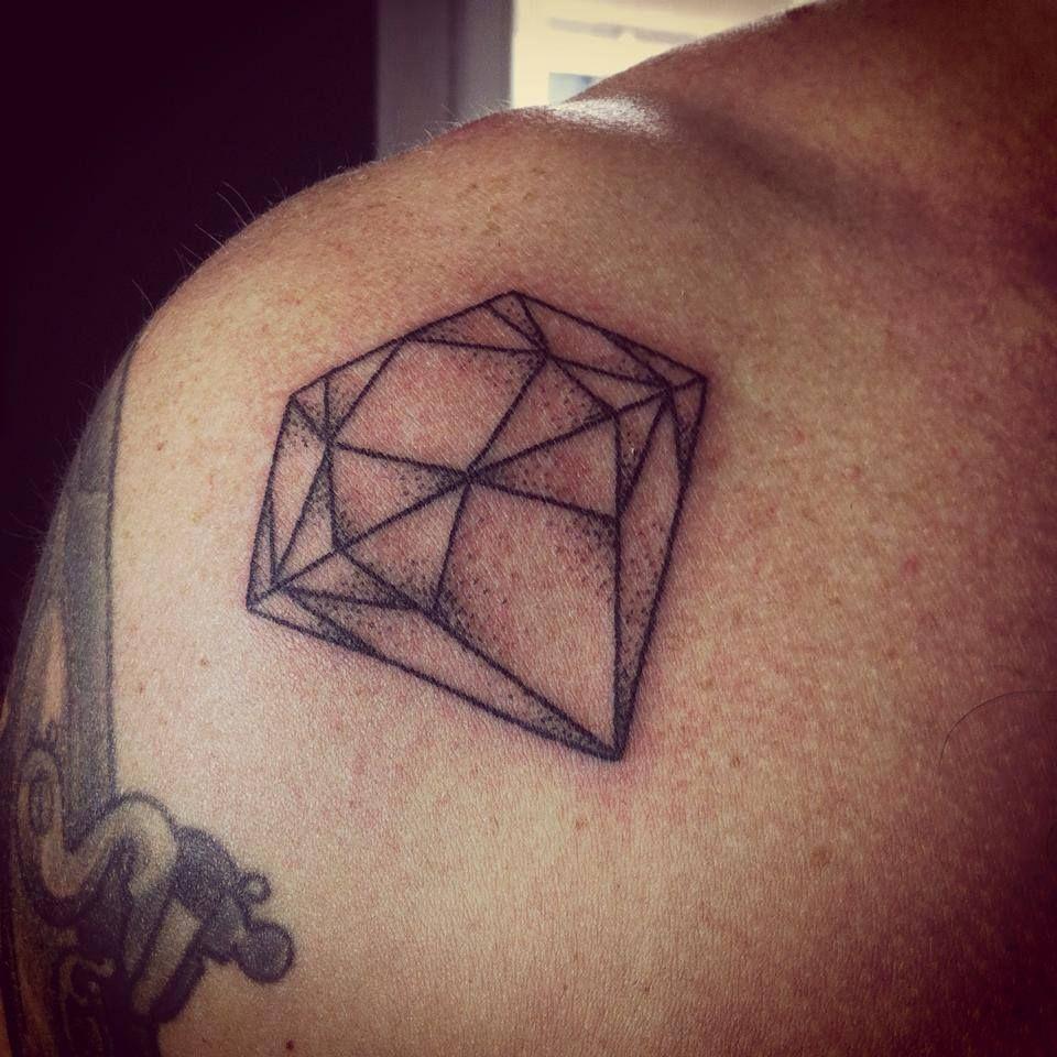 Tattoo Tatouage Dotwork Handpoke Handpokingtattoo Fonteljuice Diamant Diamond