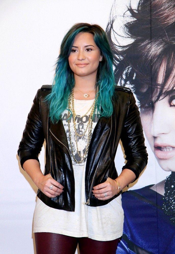 Let S Discuss Demi Lovato S Aqua Hair Demi Lovato Blue Hair