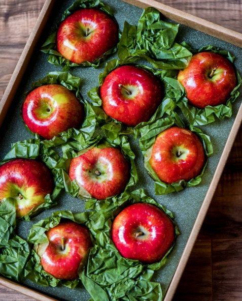 Seasonal Apples delivered right to your home. Photo by @realhousemoms.