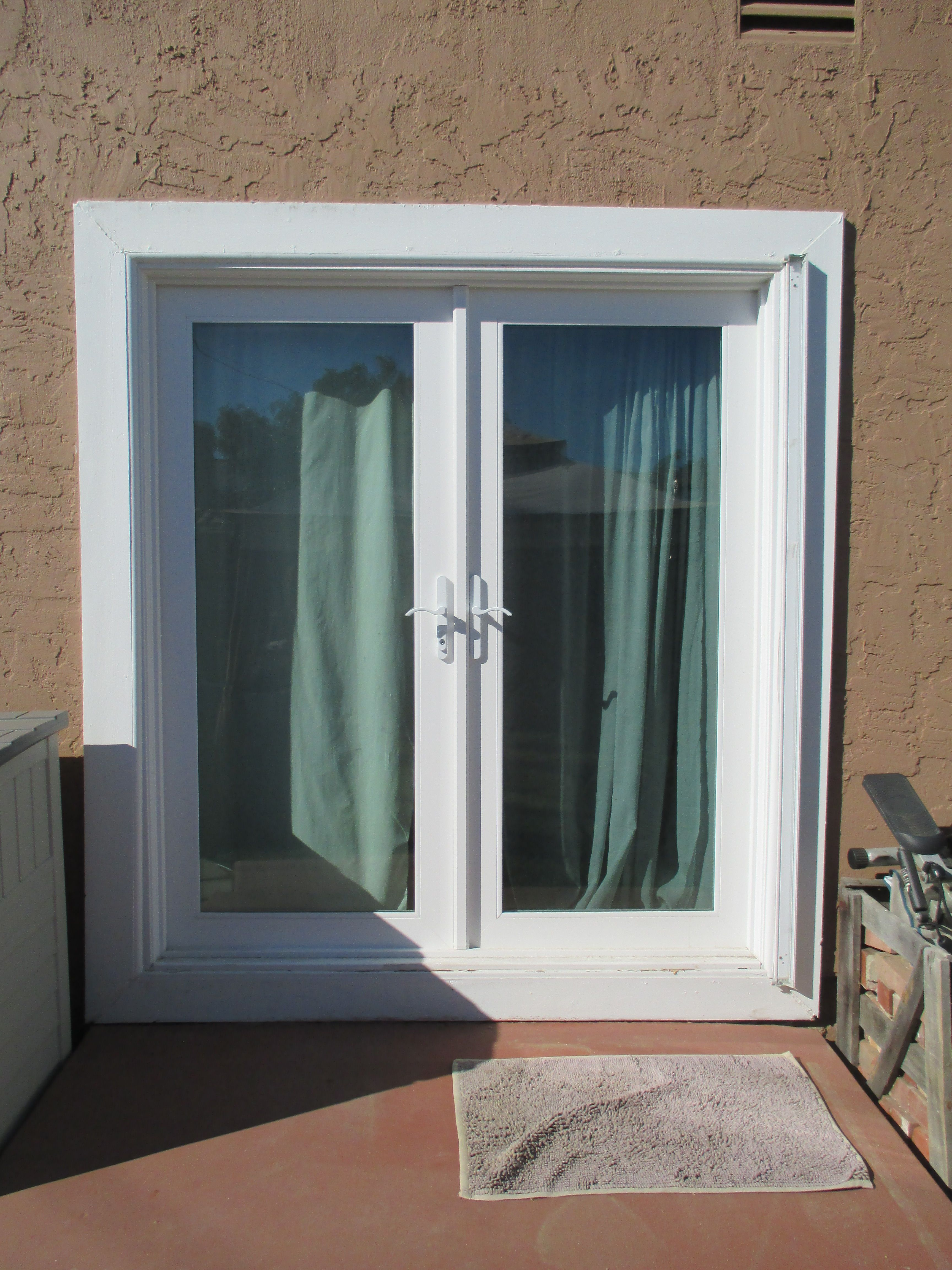 The Official Retractable Screen Door System Of Southern California