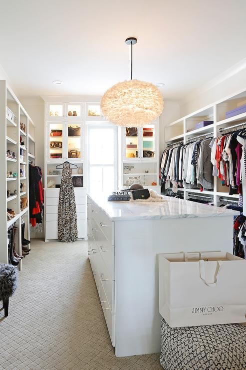 Bon Beautifully Designed Walk In Closet Is Every Fashionistau0027s Dream As Itu0027s  Equipped With A White