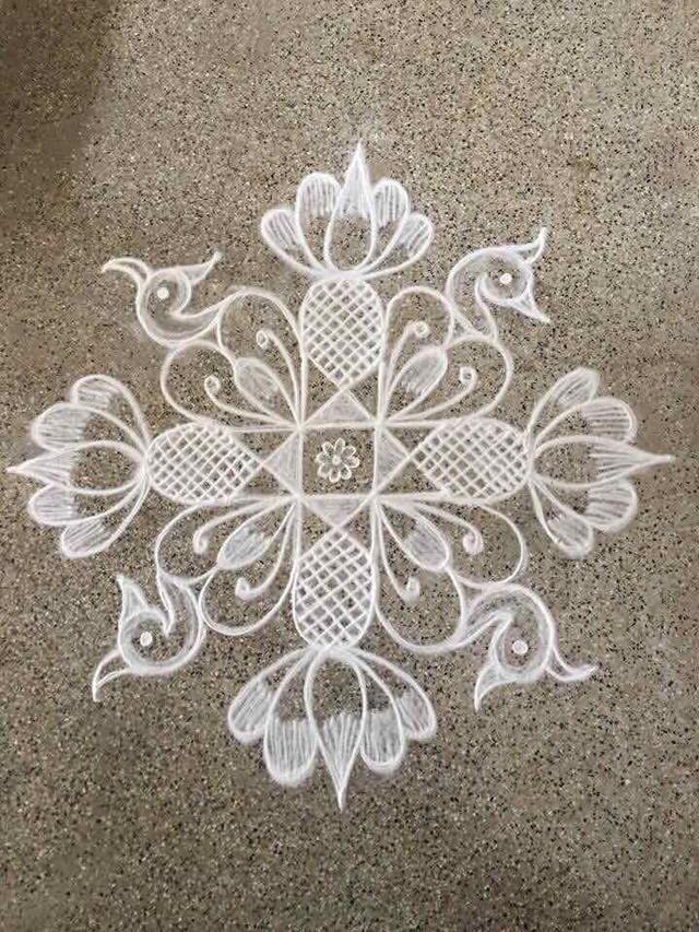 அப்பார்ட்மெண்ட் கோலங்கள் flowers Small rangoli design