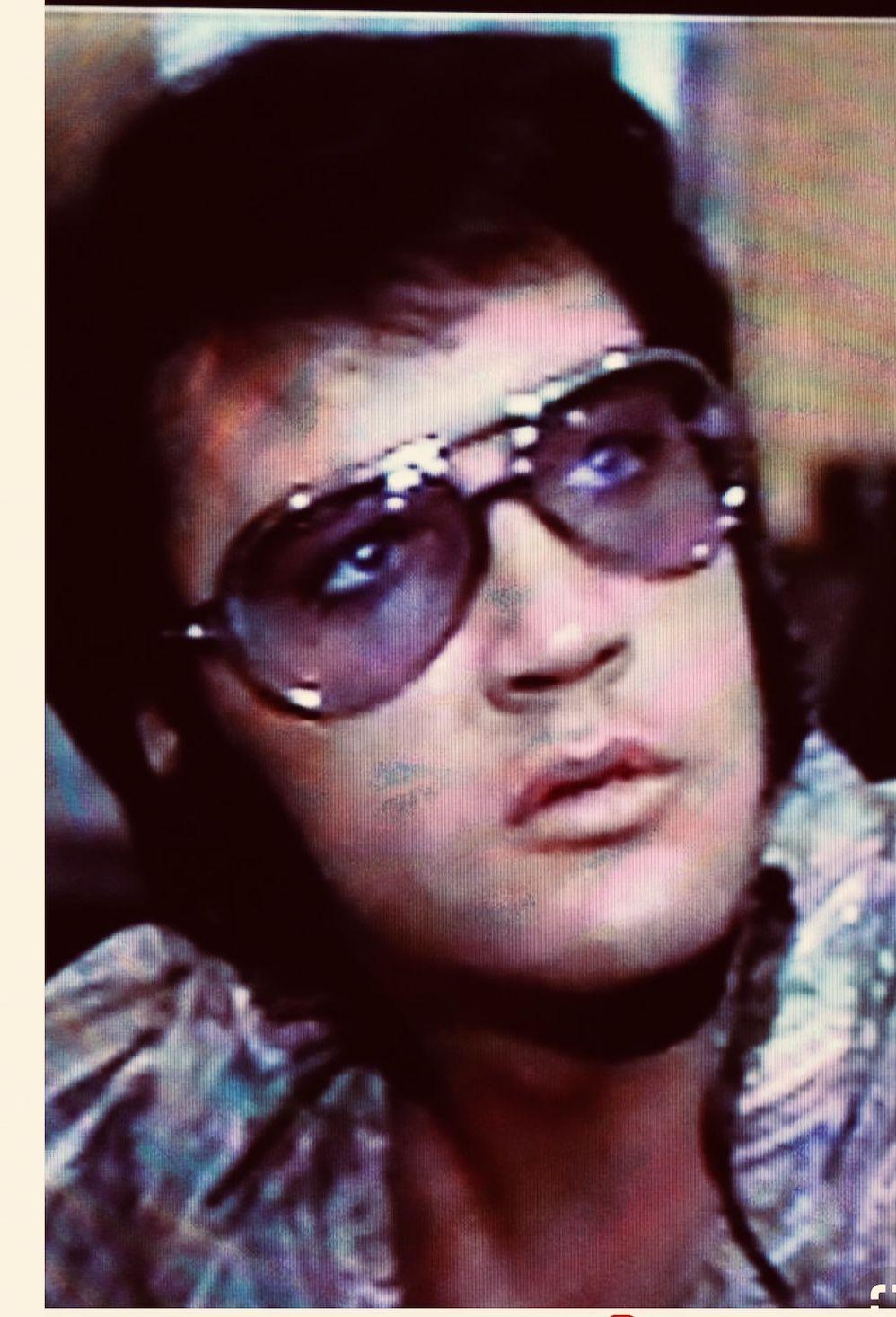 Pin do(a) Anabela Gomes em Elvis Presley   Pinterest   Óculos 13d481491c