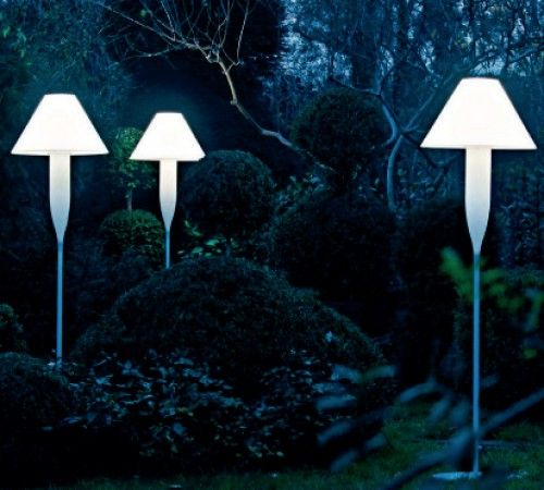 Discover serralunga bonheur a floor lamp by michele de lucchi for serrralunga outdoor and garden lighting