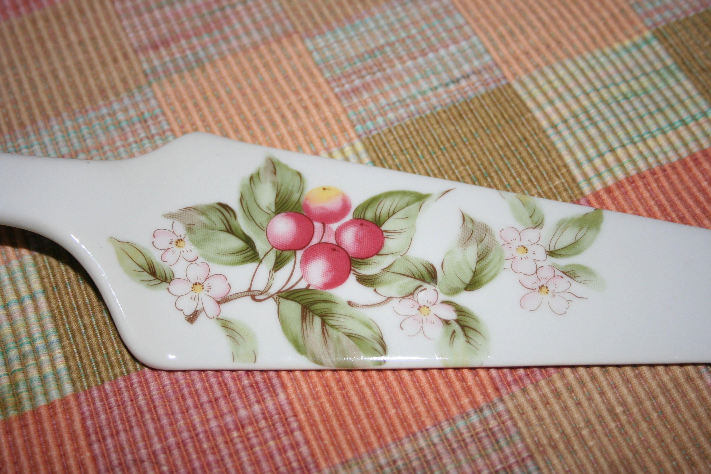 Vintage Ceramic Pie or Cake Server Made in Japan