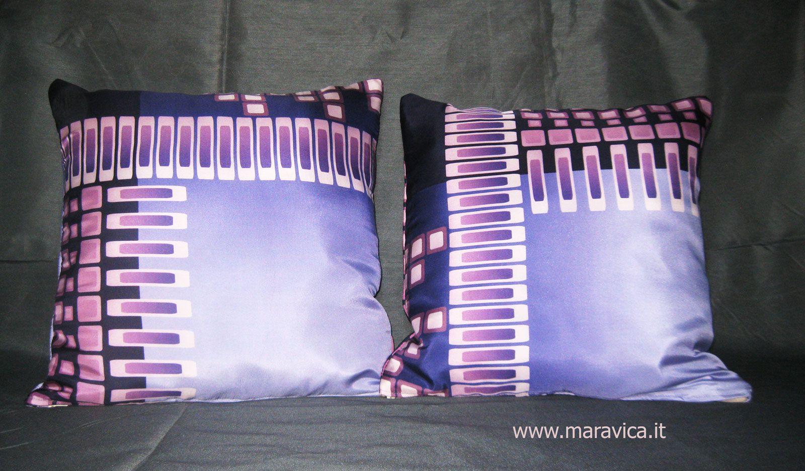 Misure cuscino affordable porta fedi cuore bianco cuscino fedi in satin e cuore bianco - Foderare cuscino divano ...