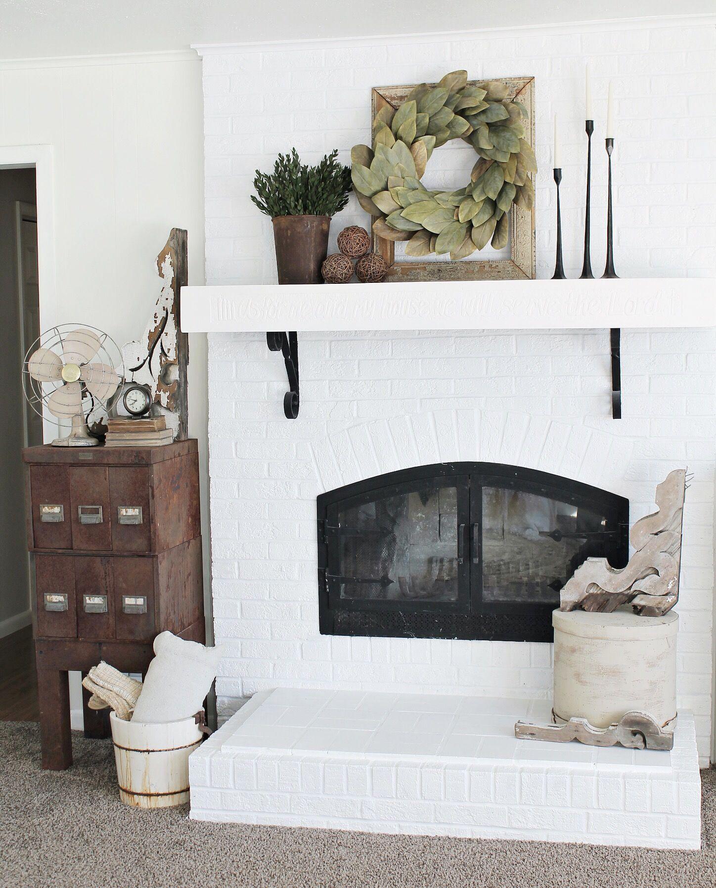 Simple Mantel Ideas: Simple Farmhouse Mantel Decor