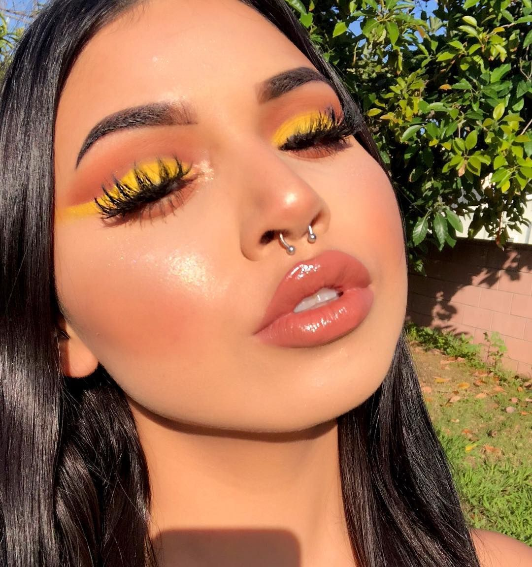 Gorgeous #dewy summer makeup look! Get all your summer ...