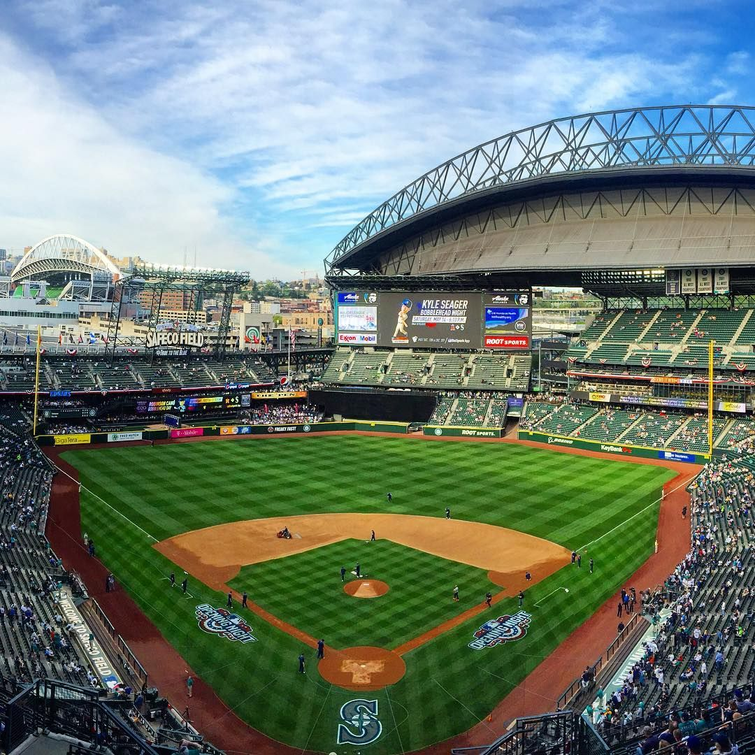 Happy Home Opener Gomariners Marinersopener Safecofield With Images Safeco Field Baseball Stadium Stadium