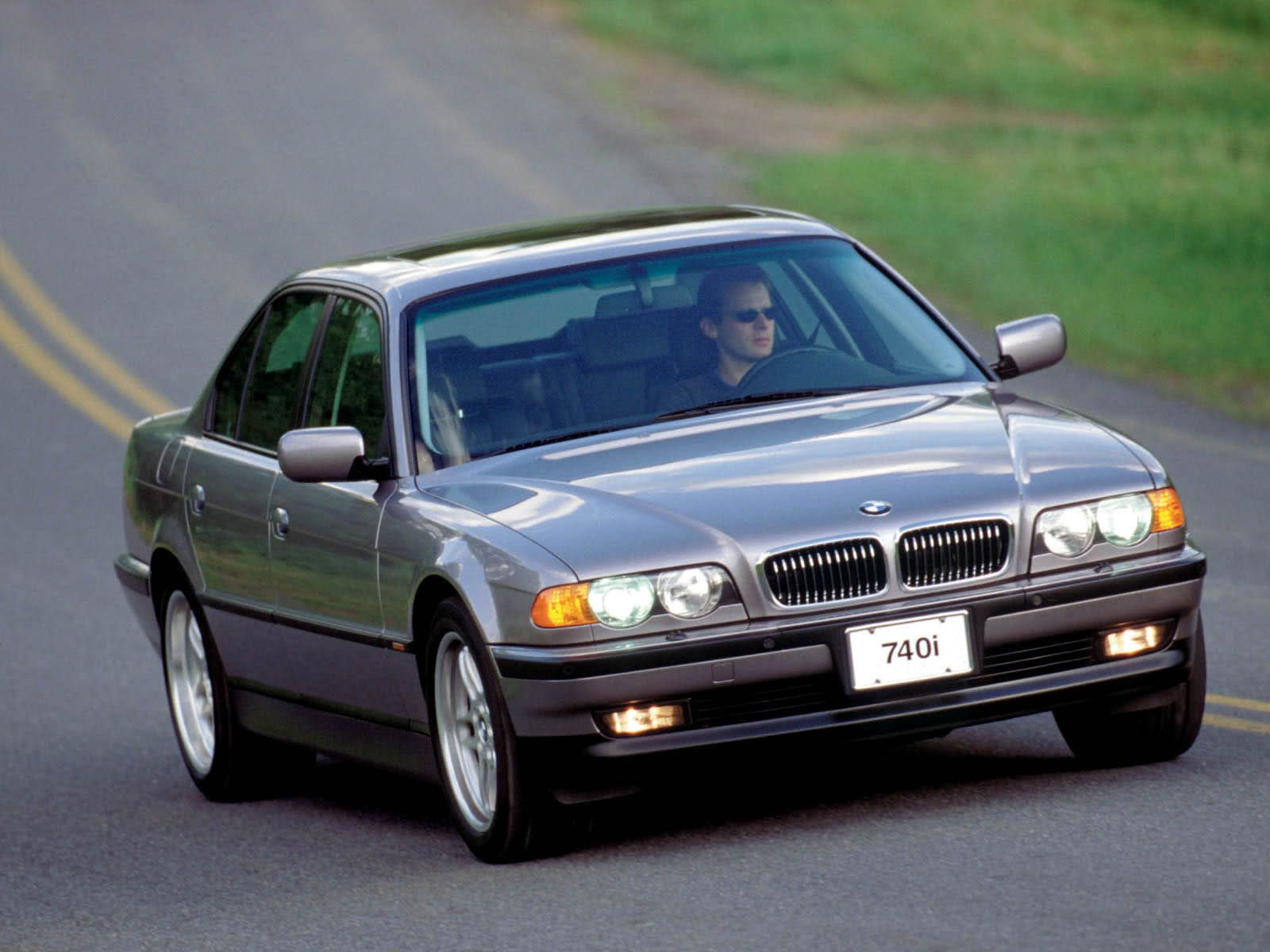 1999 BMW E38 (735i/740i): With the V8 engine being the preferred ...
