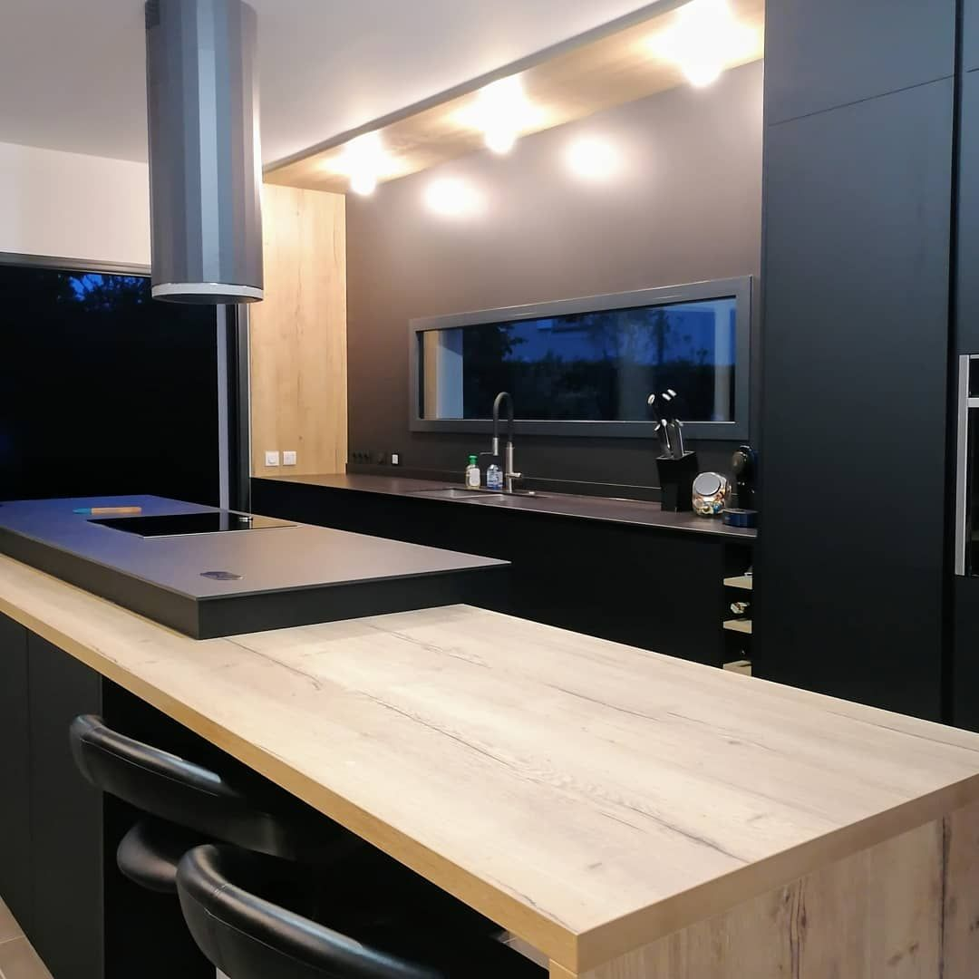 Cuisine Noire Et Bois In 2020 Home Kitchen Home Decor