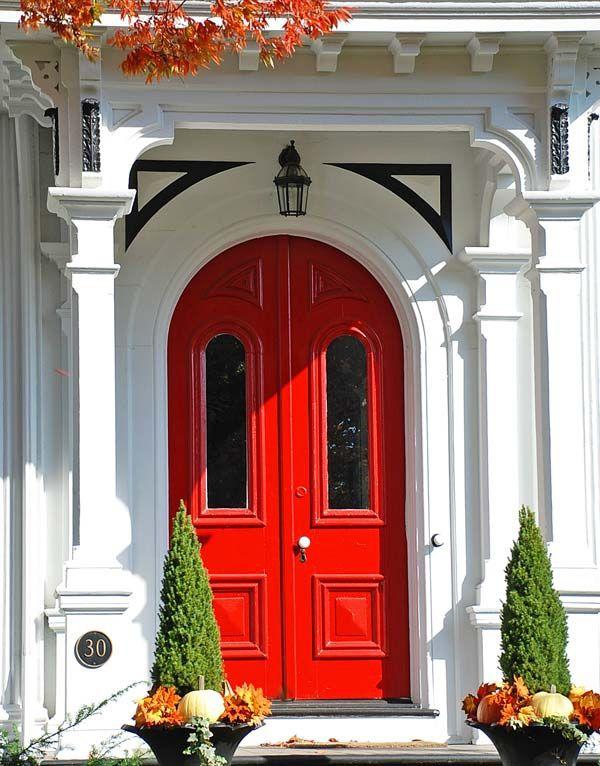 Red Door In Historic Hudson Ohio Big Doors Red Door Architecture