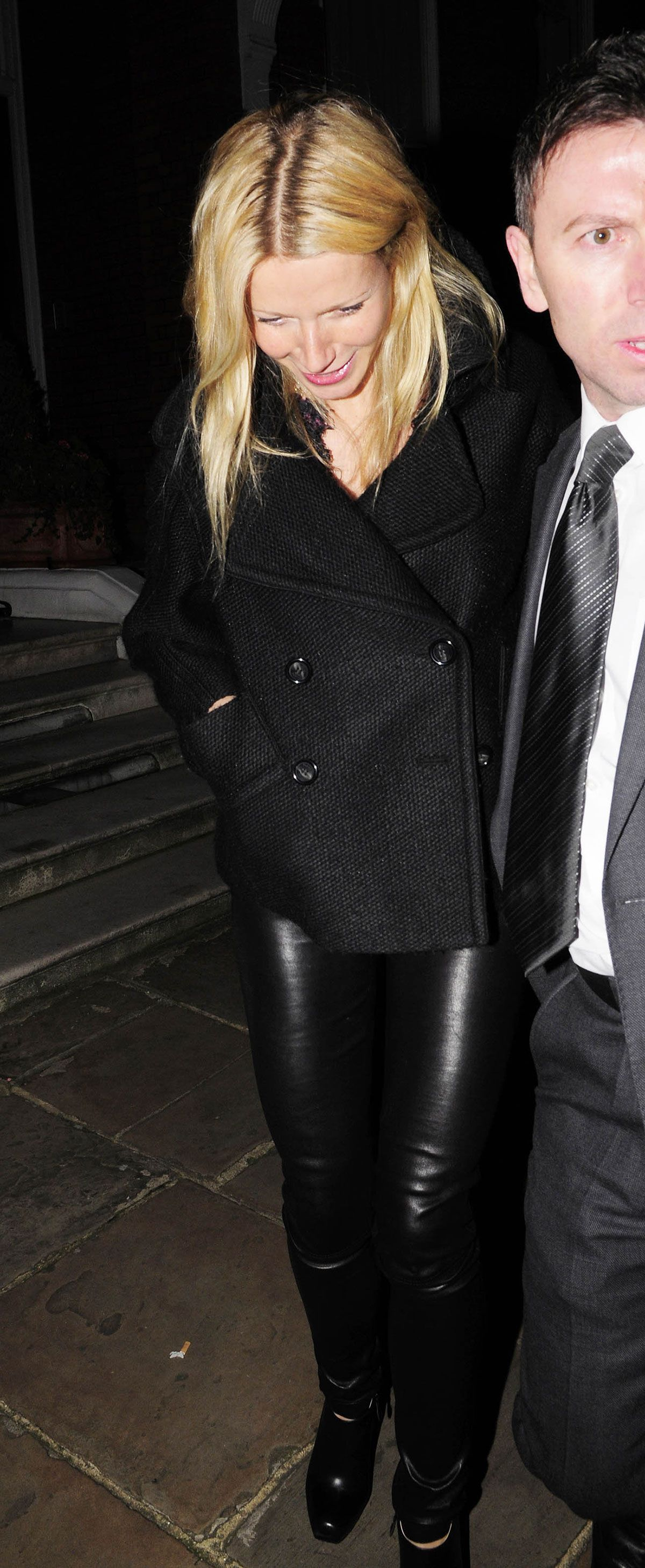 gwyneth paltrow in tight leather trousers. | mature wemon in leather