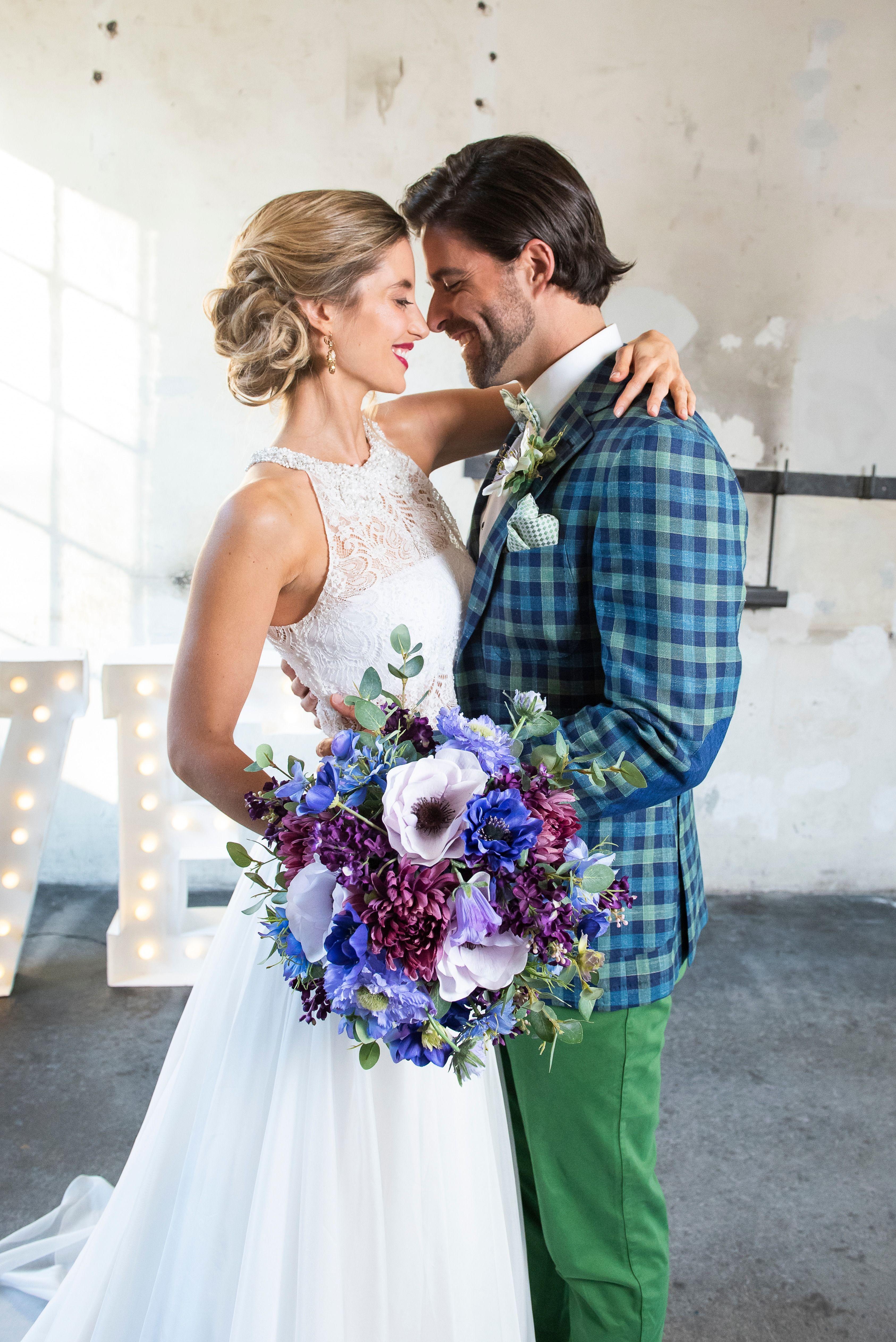 Industrial Vintage Wedding Look Mit Diesem Frechen Hochzeitsoutfit Fur Den Herrn Zieht Man Die Blicke Auf Sich Nisago Hochzeitsoutfit Hochzeit Kleid Hochzeit
