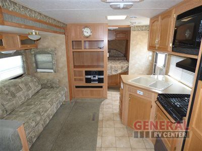 Travel With The Whole Family In The Used 2004 Keystone Rv Laredo