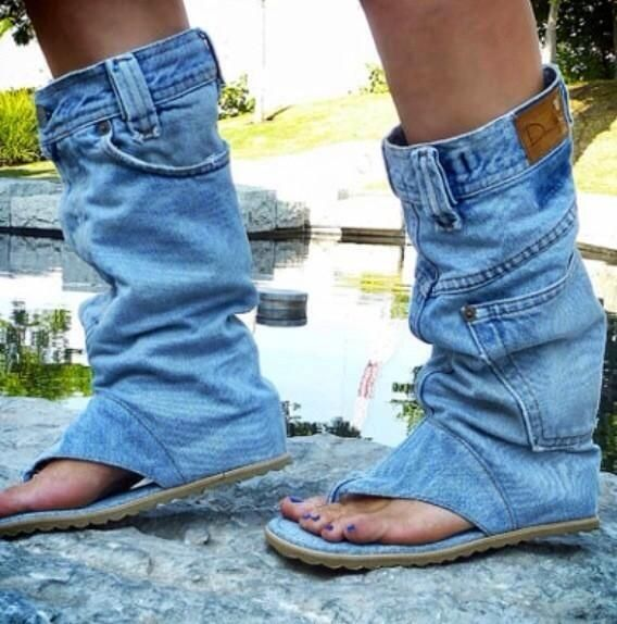 326a52b3bc01 Jeans boot flip-flop  No thank you. Your jeans do not want this. And I am  pretty sure your feet are dirty.
