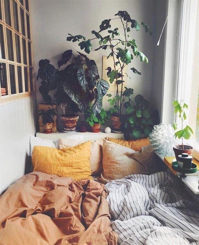 Simple cozy bed nook