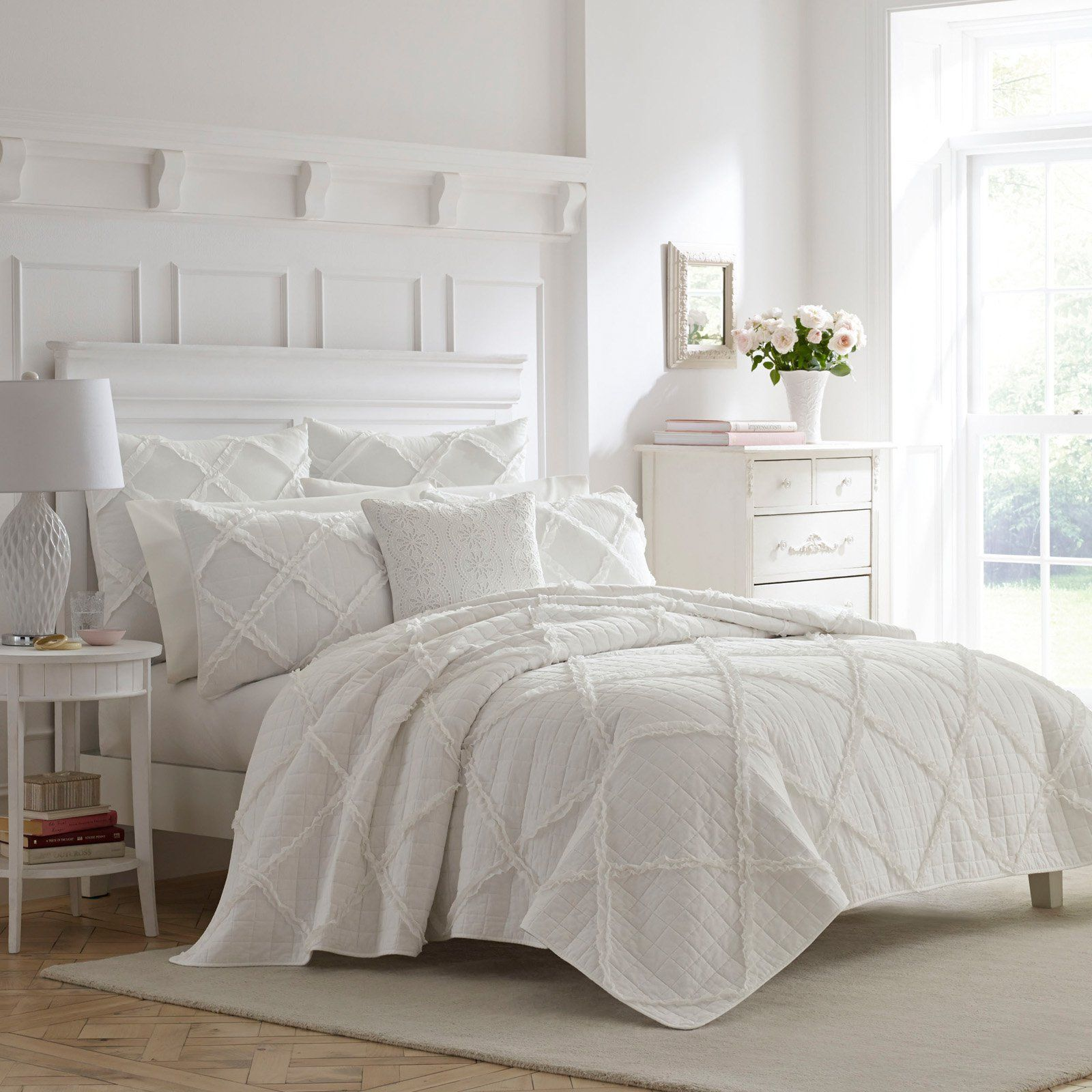 Maisy White Ruffled Quilt Set By Laura Ashley Size King In 2020