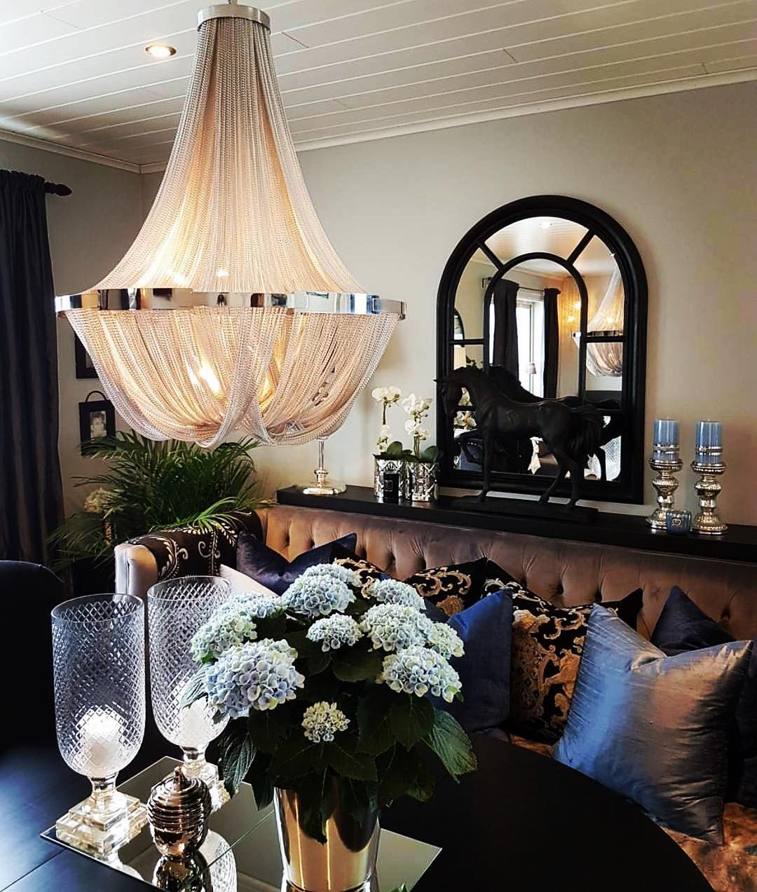 Premier Home Staging California Hgtv: Now That's How You Stage A Home For A Showing