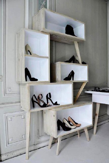 als b cherregal benutzen designchen diy regale mit spanngurt hylder eller reoler regal. Black Bedroom Furniture Sets. Home Design Ideas