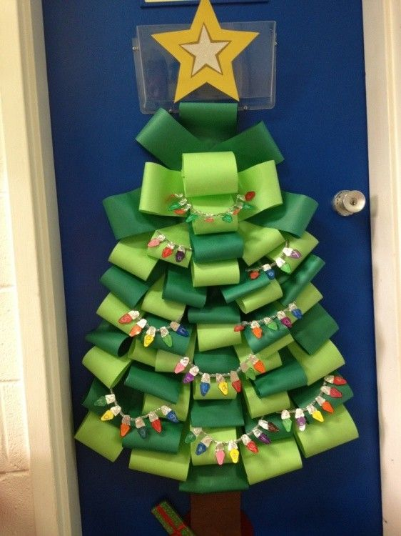 Christmas classroom decorations, Classroom Christmas Door Decorating ...