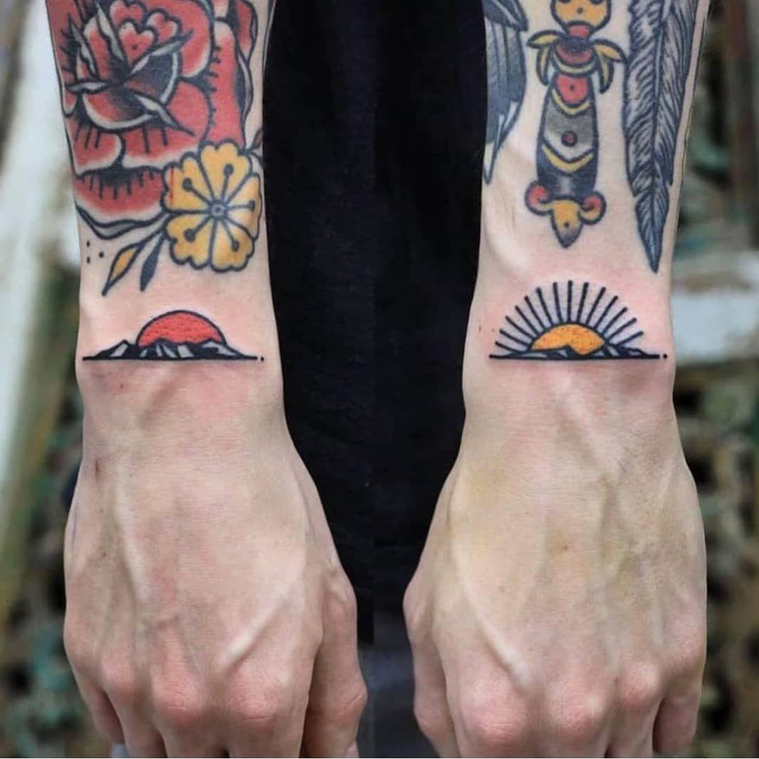 "Old School Tattoos on Instagram: ""𝕬𝖗𝖙𝖎𝖘𝖙 𝖘𝖕𝖔𝖙𝖑𝖎𝖌𝖍𝖙: @patrykhilton ✒ ➖➖➖➖➖➖➖ 𝕱𝖔𝖑𝖑𝖔𝖜 @oldschooltattz 𝖋𝖔𝖗 𝖙𝖍𝖊 𝖇𝖊𝖘𝖙 𝖆𝖗𝖙𝖎𝖘𝖙𝖘 𝖔𝖓 𝕴𝖓𝖘𝖙𝖆𝖌𝖗𝖆𝖒 ✌✒ . . . . ➖➖➖➖➖➖➖➖ #oldschooltattz…"""