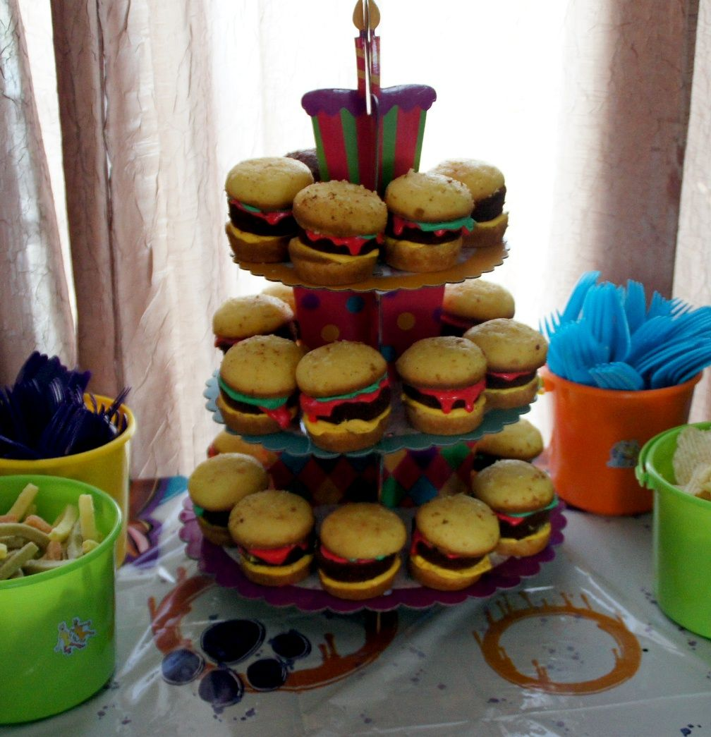 My try at the cheeseburger cupcakes for Gavins 3rd Scooby Doo