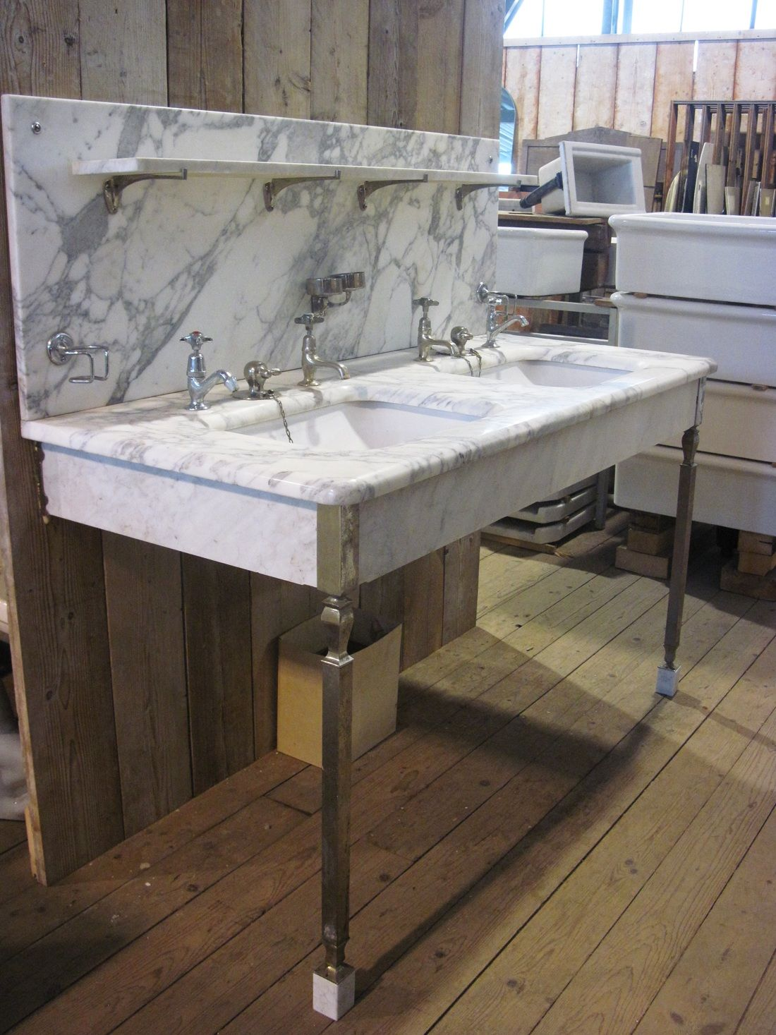 Antieke marmeren wastafel badkamer bathroom gratis maandelijks badkamer tegels magazine - Oude keuken wastafel ...