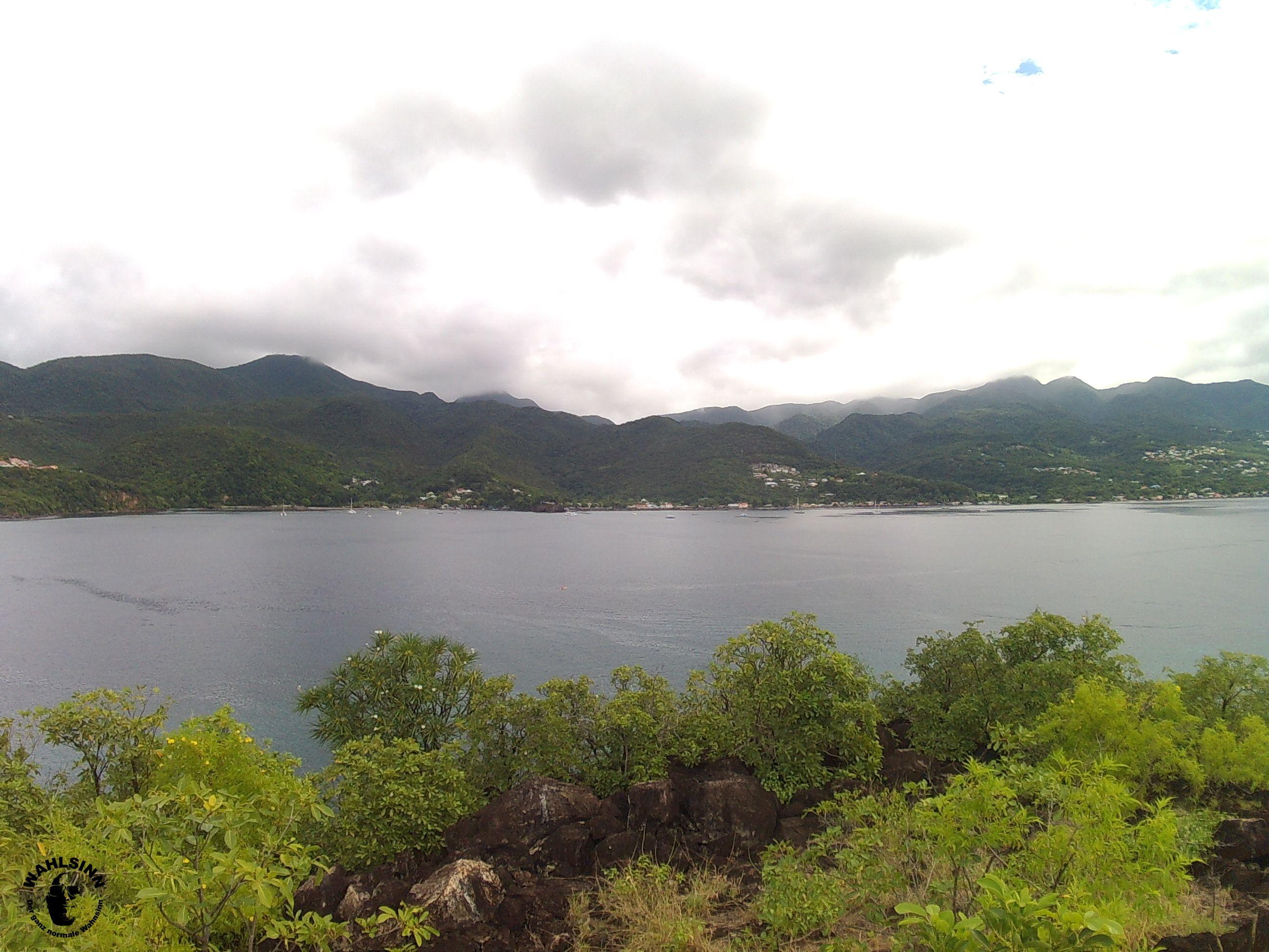 Guadeloupe - Eine schöne Aussicht von einem Berg rüber auf Guadeloupe